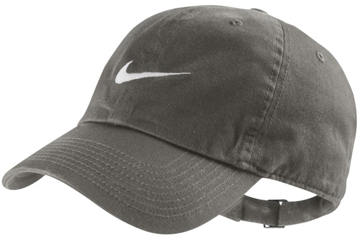 Бейсболка Nike Swoosh H86, цвет: темно-зеленый. 546126-222. Размеруниверсальный546126-222Стильная бейсболка Nike Swoosh H86 идеально подойдет для прогулок, занятия спортом и отдыха. Бейсболка выполнена из 100% хлопка, благодаря чему обладает высокой гигроскопичностью и великолепно пропускает воздух, позволяя коже дышать. Модель имеет классическую конструкцию из шести панелей и специальные вентиляционные отверстия и надежно защитит вас от солнца и ветра. Бейсболка оформлена вышивкой с логотипом Nike.Объем бейсболки регулируется при помощи хлястика с пряжкой.Такая бейсболка станет отличным аксессуаром и дополнит ваш повседневный образ.
