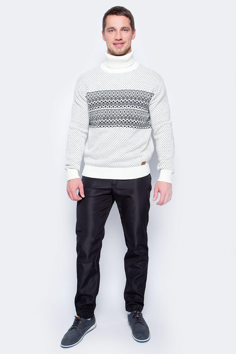 Брюки мужские Finn Flare, цвет: черный. W17-22021_200. Размер XL (52)W17-22021_200Мужские зимние брюки Finn Flare прямого кроя выполнены из износостойкого полиэстера. Брюки застегиваются на молнию и пуговицу. Спереди модель оформлена двумя втачными карманами и одним маленьким накладным, сзади - двумя врезными карманами.