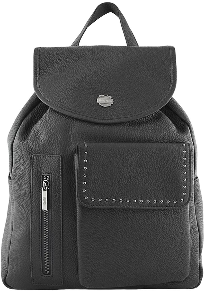 Рюкзак мужской Bruno Perri, цвет: черный. 5220-7/15220-7/1Стильный мужской рюкзак от Bruno Perri выполнен из натуральной кожи, которая имеет мягкую и приятную на ощупь фактуру. Рюкзак имеет одно затягивающееся отделение, закрывающееся клапаном на кнопку и дополнен: накладным карманом с клапаном на кнопке, внутренним карманом на молнии и по бокам небольшими карманами. Рюкзак имеет прочные лямки регулируемой длины и ручку для переноски в руке.