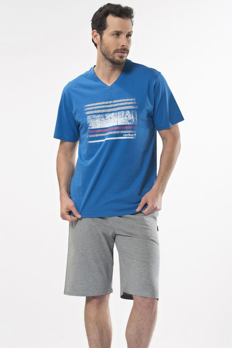 Пижама мужская Cacharel, цвет: голубой. 2143. Размер XXL (52/54)2143Пижама мужская Cacharel выполнена из натурального хлопка и состоит из футболки с кротким рукавом и V-образной горловиной и шорт свободного кроя на резинке на поясе. На шортах два кармана.