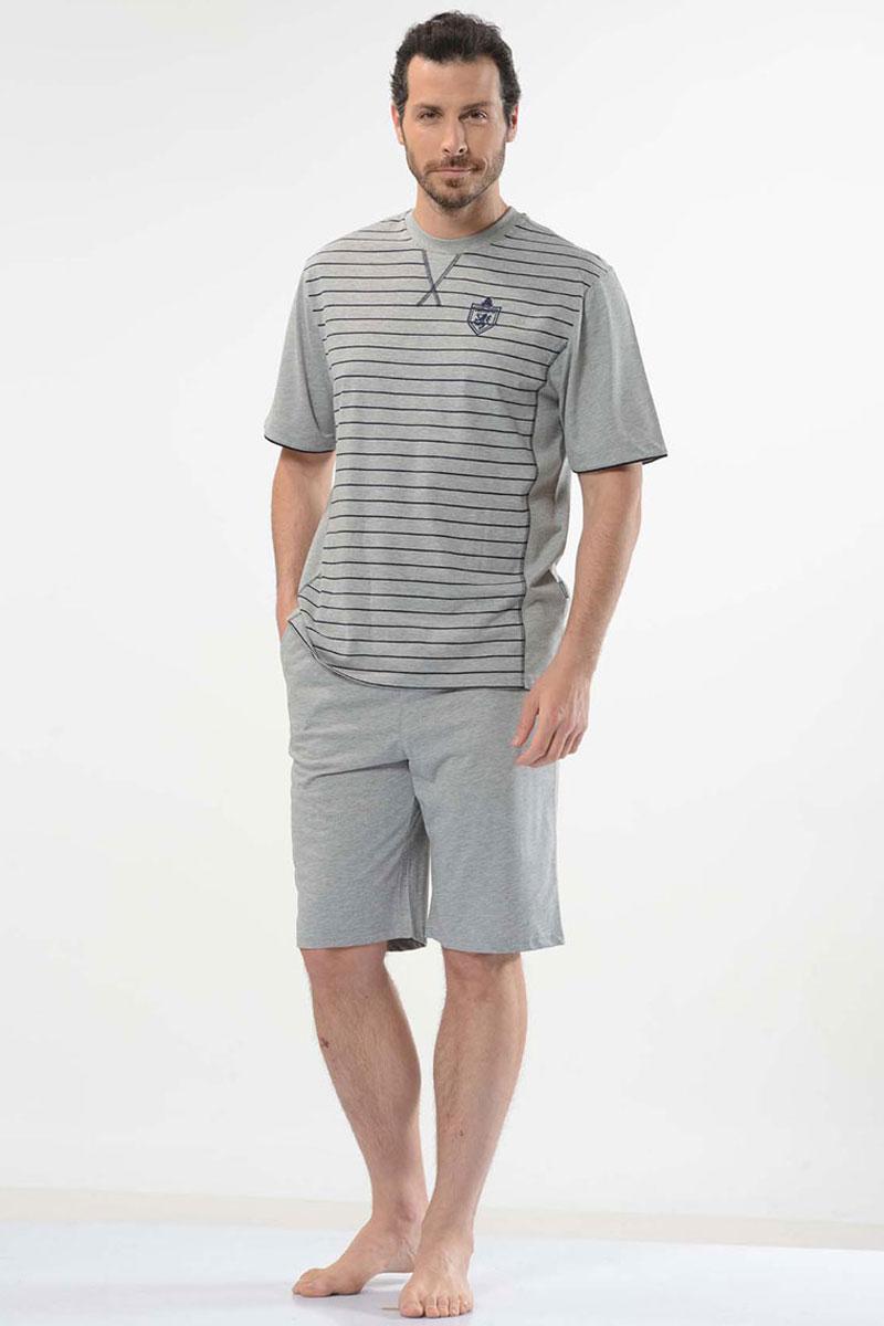 Пижама мужская Cacharel, цвет: серый. 2111. Размер M (46/48)2111Пижама мужская состоит из футболки с коротким рукавом и круглым вырезом горловины и шорт свободного кроя на резинке на поясе. На шортах два кармана.