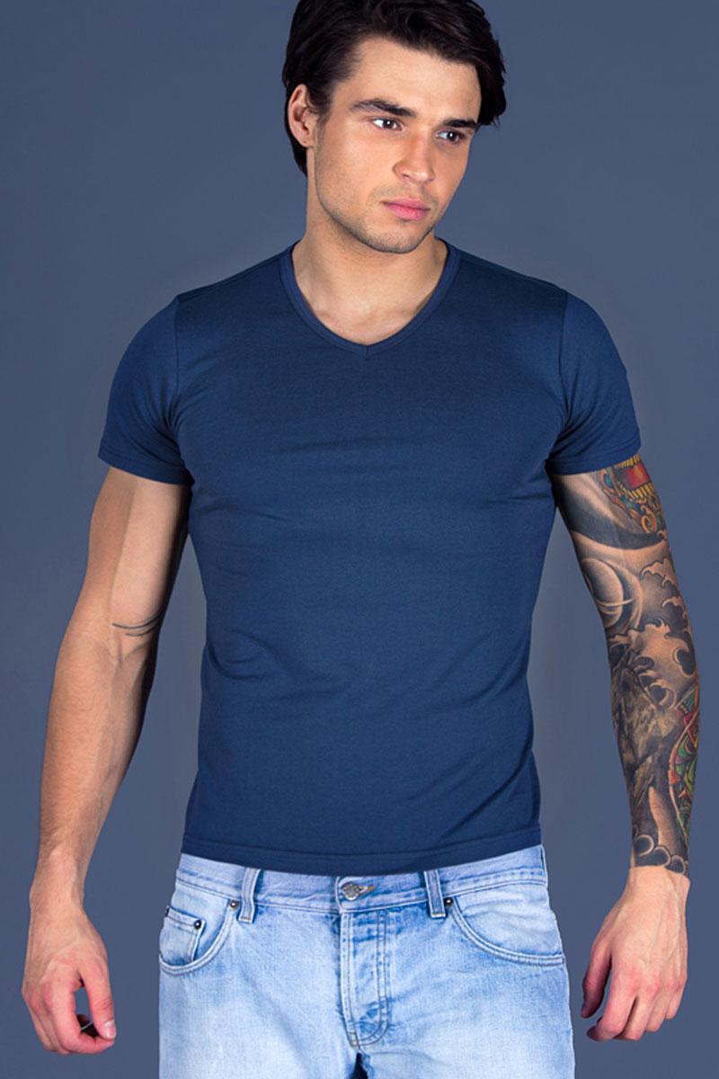 Футболка для дома мужская Sis, цвет: индиго. B2503. Размер M (46)B2503Мужская футболка Sis выполнена из высококачественного хлопка. Облегающая модель с V-образным вырезом горловины и короткими рукавами.