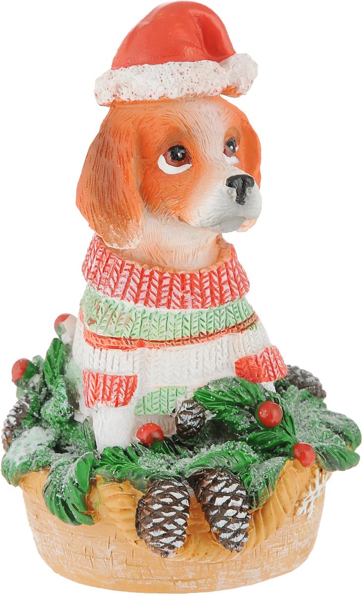 Фигурка декоративная Magic Time Собака с елочкой, 6,5 х 6,5 х 10 см75590Фигурка декоративная Magic Time Собака с елочкой, изготовленная из полирезина, станет оригинальным подарком для всех любителей необычных вещей. Изделие выполнено в виде собаки и декорировано блестками. Оригинальный сувенир станет прекрасным дополнением к интерьеру. Вы можете поставить фигурку в любом месте, где она будет удачно смотреться и радовать глаз.
