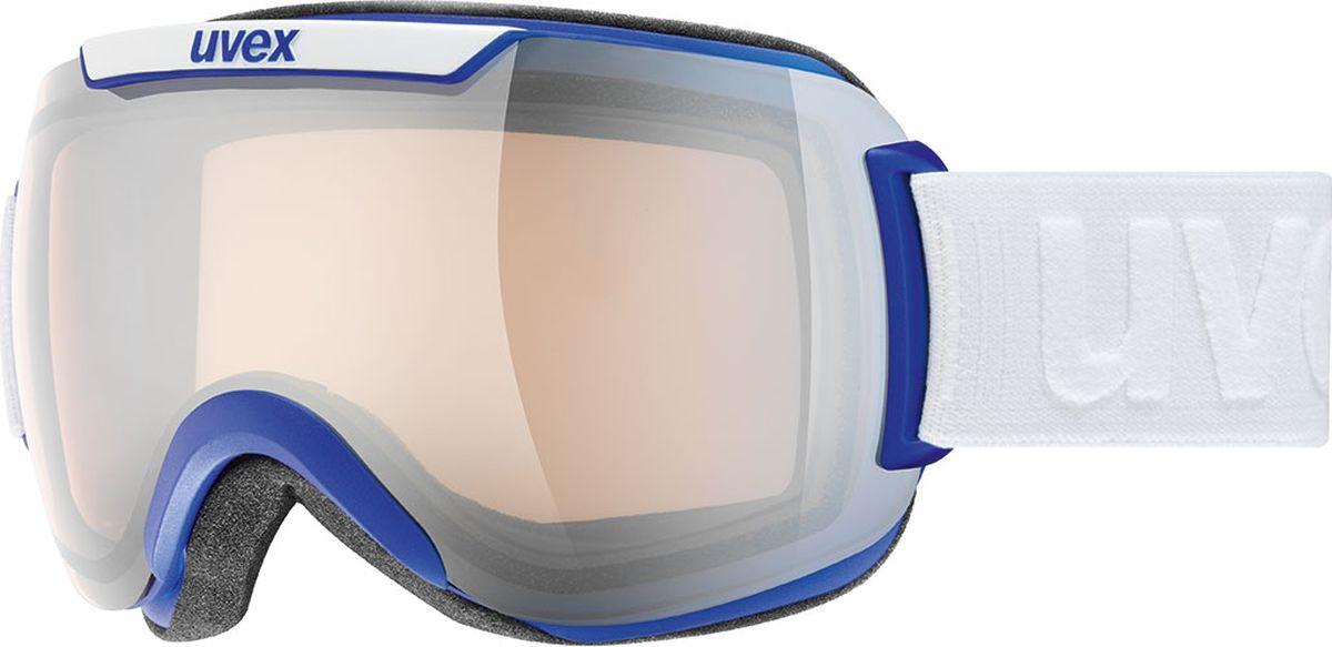 Маска горнолыжная Uvex Downhill 2000 VLM Ski Mask, цвет: серый, синий матовый108Маска Uvex Downhill 2000 VLM Ski Mask рекомендована для катания на горных лыжах или сноуборде при переменной облачности. Те, кто любит покататься в пушитом снегу, оценит ее по достоинству: снег больше не налипает на маску, а просто соскальзывает с нее. МАКСИМАЛЬНЫЙ ОБЗОРБлагодаря большой линзе и конструкции без оправы у маски превосходный обзор.КОМФОРТВ модели использован комфортный пенный уплотнитель.НАСТРОЙКА ЗАТЕМНЕНИЯЛинза VARIOMATIC автоматически меняет затемнение в зависимости от яркости освещения.ЗАЩИТА ОТ ЗАПОТЕВАНИЯДвойная поликарбонатная линза с покрытием Supravision от запотевания.
