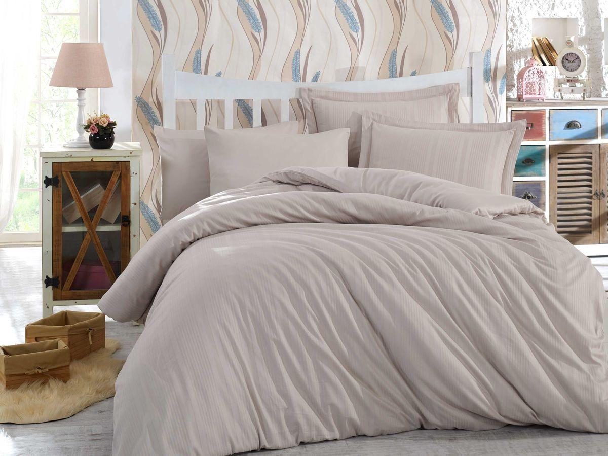 Комплект белья Hobby Home Collection Stripe, евро, наволочки 50x70, 70x70, цвет: визон1501001614Сатиновая ткань обладает исключительными декоративными качествами и превосходно ведет себя в эксплуатации, поэтому относится к премиум-классу. Для производства текстиля используются крученые хлопковые нити, которые отражают свет так же хорошо, как и волокна шелка.Изысканные узоры, напоминающие вышивку, формируются на ткани в процессе производства путем сложных переплетений нитей основы и утка. В результате жаккардовый сатин имеет гладкую, переливающуюся на свету лицевую поверхность и плотную изнанку. Вытканные рисунки смотрятся особенно выразительно за счет рельефности.Преимущества постельного белья из жаккард-сатина:- Способность сохранять первозданный вид после многочисленных стирок при соблюдении рекомендаций по уходу.- Плотная, струящаяся фактура, исключающая появление складок и заломов.- Превосходные терморегулирующие и гигиенические свойства.- Нежные, гладкие поверхности, обеспечивающие приятные тактильные ощущения.