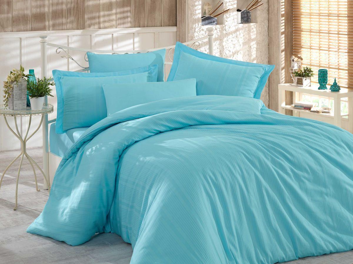 Комплект белья Hobby Home Collection Stripe, евро, наволочки 50x70, 70x70, цвет: голубой1501001616Сатиновая ткань обладает исключительными декоративными качествами и превосходно ведет себя в эксплуатации, поэтому относится к премиум-классу. Для производства текстиля используются крученые хлопковые нити, которые отражают свет так же хорошо, как и волокна шелка.Изысканные узоры, напоминающие вышивку, формируются на ткани в процессе производства путем сложных переплетений нитей основы и утка. В результате жаккардовый сатин имеет гладкую, переливающуюся на свету лицевую поверхность и плотную изнанку. Вытканные рисунки смотрятся особенно выразительно за счет рельефности.Преимущества постельного белья из жаккард-сатина:- Способность сохранять первозданный вид после многочисленных стирок при соблюдении рекомендаций по уходу.- Плотная, струящаяся фактура, исключающая появление складок и заломов.- Превосходные терморегулирующие и гигиенические свойства.- Нежные, гладкие поверхности, обеспечивающие приятные тактильные ощущения.