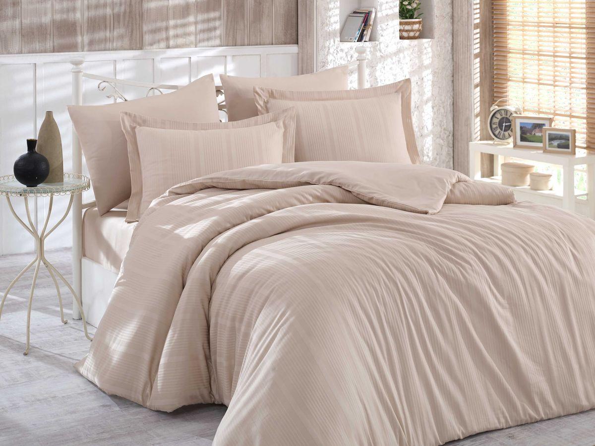 Комплект белья Hobby Home Collection Stripe, семейный, наволочки 50x70, 70x70, цвет: бежевый1501001637Сатиновая ткань обладает исключительными декоративными качествами и превосходно ведет себя в эксплуатации, поэтому относится к премиум-классу. Для производства текстиля используются крученые хлопковые нити, которые отражают свет так же хорошо, как и волокна шелка.Изысканные узоры, напоминающие вышивку, формируются на ткани в процессе производства путем сложных переплетений нитей основы и утка. В результате жаккардовый сатин имеет гладкую, переливающуюся на свету лицевую поверхность и плотную изнанку. Вытканные рисунки смотрятся особенно выразительно за счет рельефности.Преимущества постельного белья из жаккард-сатина:- Способность сохранять первозданный вид после многочисленных стирок при соблюдении рекомендаций по уходу.- Плотная, струящаяся фактура, исключающая появление складок и заломов.- Превосходные терморегулирующие и гигиенические свойства.- Нежные, гладкие поверхности, обеспечивающие приятные тактильные ощущения.