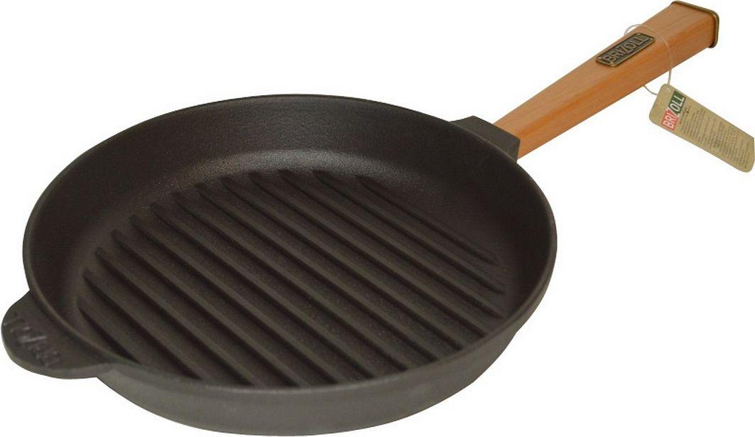 """Сковорода-гриль Бризолль """"Оптима"""" выполнена из чугуна.  Уважаемые клиенты! Для сохранения свойств посуды из чугуна и предотвращения  появления ржавчины чугунную посуду мойте только вручную, горячей или теплой  водой, мягкой губкой или щёткой (не металлической) и обязательно вытирайте  насухо. Для хранения смазывайте внутреннюю поверхность посуды растительным  маслом, а перед следующим применением хорошо накалите посуду."""
