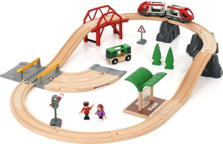 Brio Городская железная дорога с автодорогой brio погрузчик с подъемником
