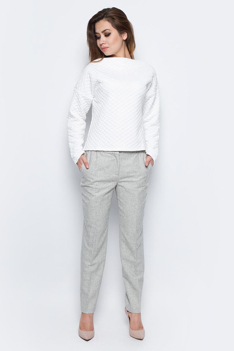 Брюки женские Baon, цвет: серый. B297522_Silver Melange. Размер L (48)B297522_Silver MelangeЭлегантные брюки Baon выполнены из теплого полушерстяного материала. Модель прямого кроя с эластичным поясом со вставкой-резинкой застегивается на молнию в ширинке и потайные крючки. По бокам предусмотрены два кармана, задние карманы - имитация. Лаконичные брюки отлично впишутся в ваш гардероб.