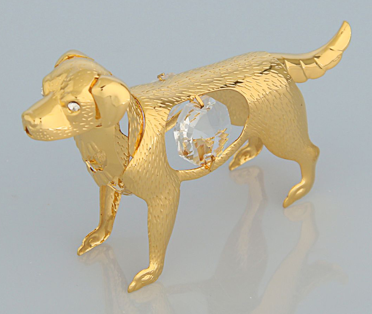 Миниатюра Swarovski Elements Собака, с кристаллом Сваровски, 8 х 2 х 5 см1903078Перед вами — сувенир в полном смысле этого слова. И главная его задача — хранить воспоминание о месте, где вы побывали, или о том человеке, который подарил данный предмет. Преподнесите эту вещь своему другу, и она станет достойным украшением его дома.