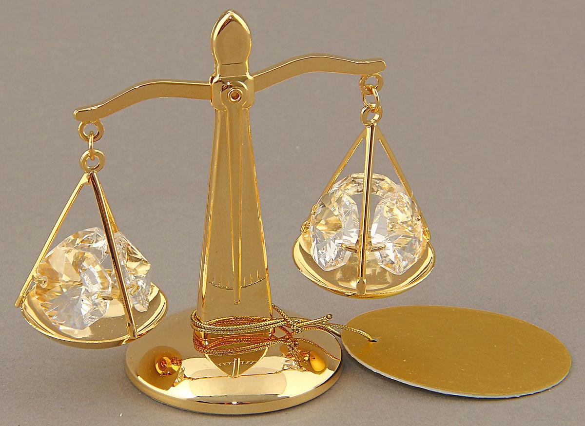 Миниатюра Swarovski Elements Весы, с кристаллами Сваровски, 6 х 6,5 х 4 см247823Сувенирные весы станут идеальным подарком близкому человеку и всем любителям эксклюзивных вещей ручной работы. Весы — не только знак Зодиака, но и всеобщий символ справедливости и правильного поведения.Сувенир украшен стразами Swarovski, которые были признаны специалистами лучшей имитацией бриллиантов. Свет, попадая на кристаллы Swarovski, разбивается на миллион радужных лучей. Это зрелище, бесспорно, оставляет яркое впечатление!