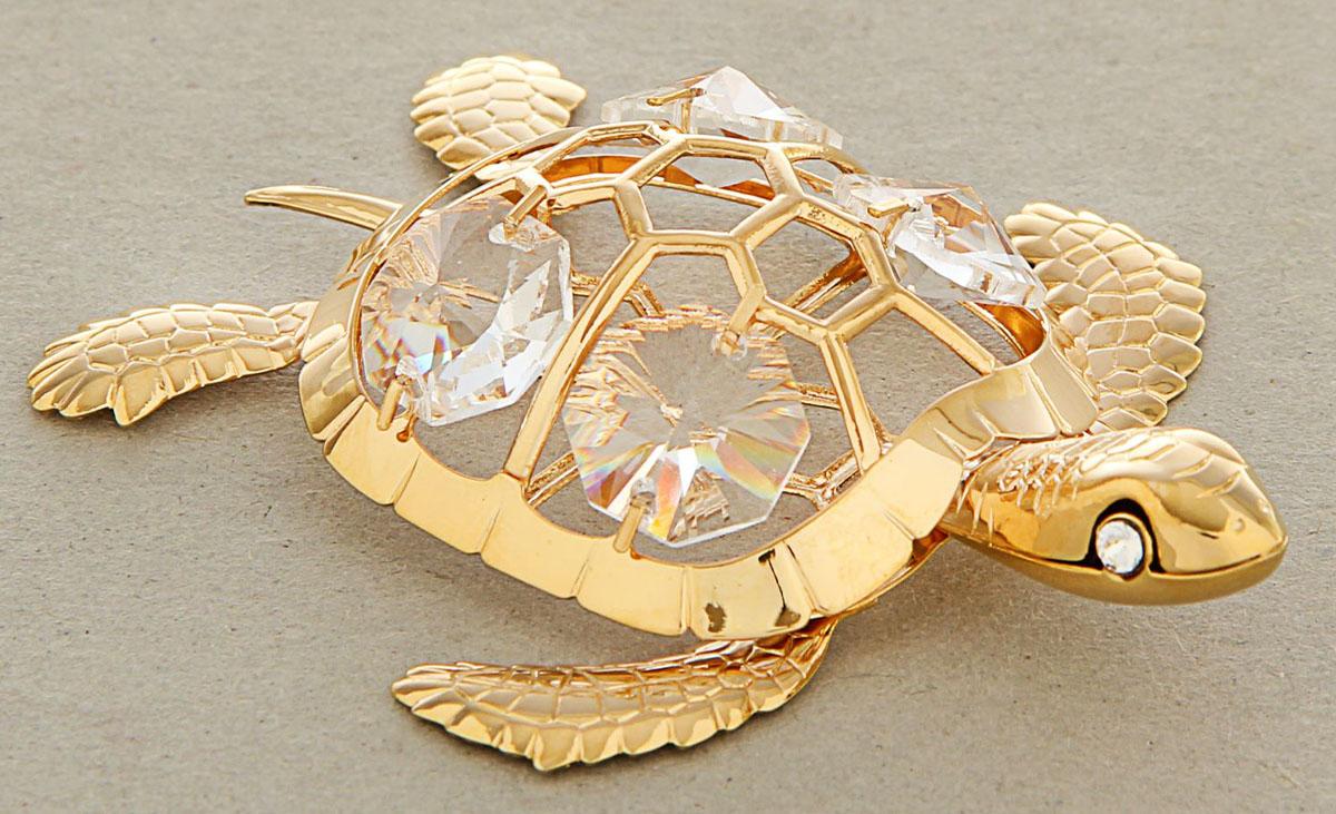 Миниатюра Swarovski Elements Морская черепаха, с кристаллами Сваровски, 6 х 4,5 х 9 см460107Сувенирная черепаха станет идеальным подарком близкому человеку и всем любителям эксклюзивных вещей ручной работы. Это символ богатства, мудрости и долголетия. Черепаха приносит спокойствие в семью, деньги и поддержку близких людей.Сувенир украшен стразами Swarovski, которые были признаны специалистами лучшей имитацией бриллиантов. Свет, попадая на кристаллы Swarovski, разбивается на миллион радужных лучей. Это зрелище, бесспорно, оставляет яркое впечатление!