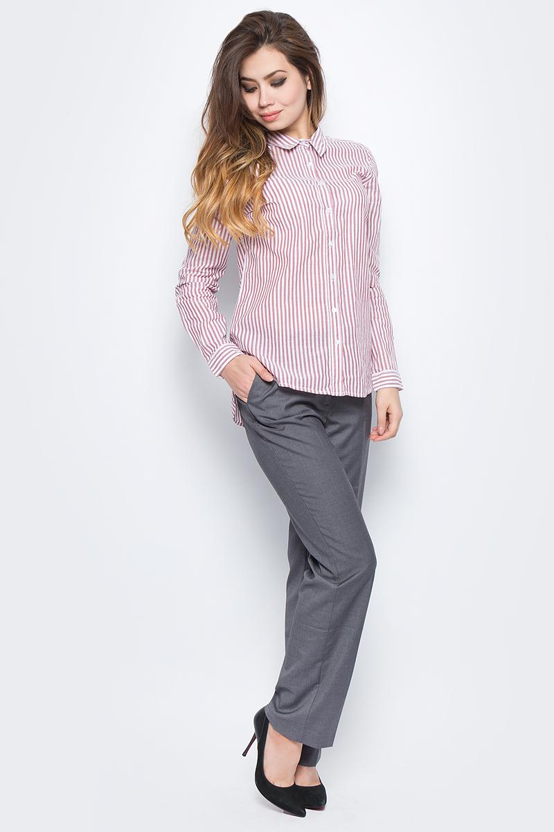 Блузка женская Baon, цвет: белый. B177551_White Striped. Размер S (44)B177551_White StripedСтильная женская блузка Baon, выполненная из натурального хлопка, подчеркнет ваш уникальный стиль и поможет создать оригинальный образ. Такой материал великолепно пропускает воздух, обеспечивая необходимую вентиляцию, а также обладает высокой гигроскопичностью. Блузка с длинными рукавами и отложным воротником застегивается на пуговицы спереди. Манжеты рукавов также застегиваются на пуговицы. Блузка оформлена принтом в полоску. Лаконичная блузка - превосходный вариант для базового гардероба и отличное решение на каждый день. Такая блузка будет дарить вам комфорт в течение всего дня и послужит замечательным дополнением к вашему гардеробу.