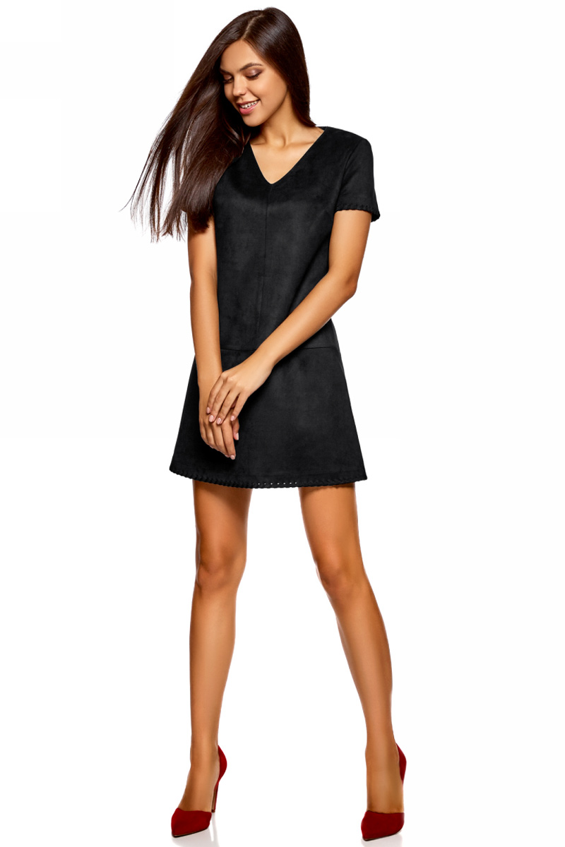 Платье oodji Ultra, цвет: черный. 18L03002/45778/2900N. Размер 42-170 (48-170)18L03002/45778/2900NСтильное мини-платье от oodji выполнено из искусственной замши. Модель с короткими рукавами и V-образным вырезом горловины.