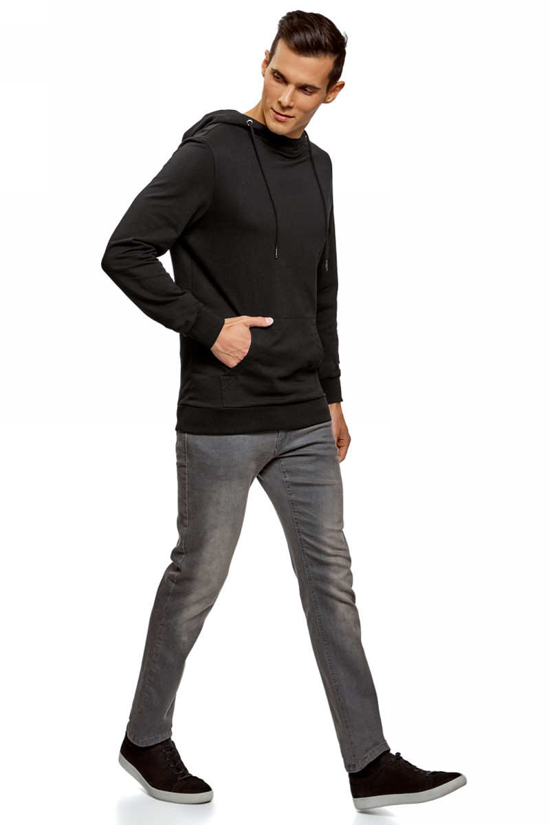 Худи мужское oodji Basic, цвет: черный. 5B111004M/47648N/2900N. Размер S (46/48)5B111004M/47648N/2900NМужское базовое худи от oodji выполнено из натурального хлопкового трикотажа. Модель с длинными рукавами и капюшоном спереди дополнена карманом кенгуру.