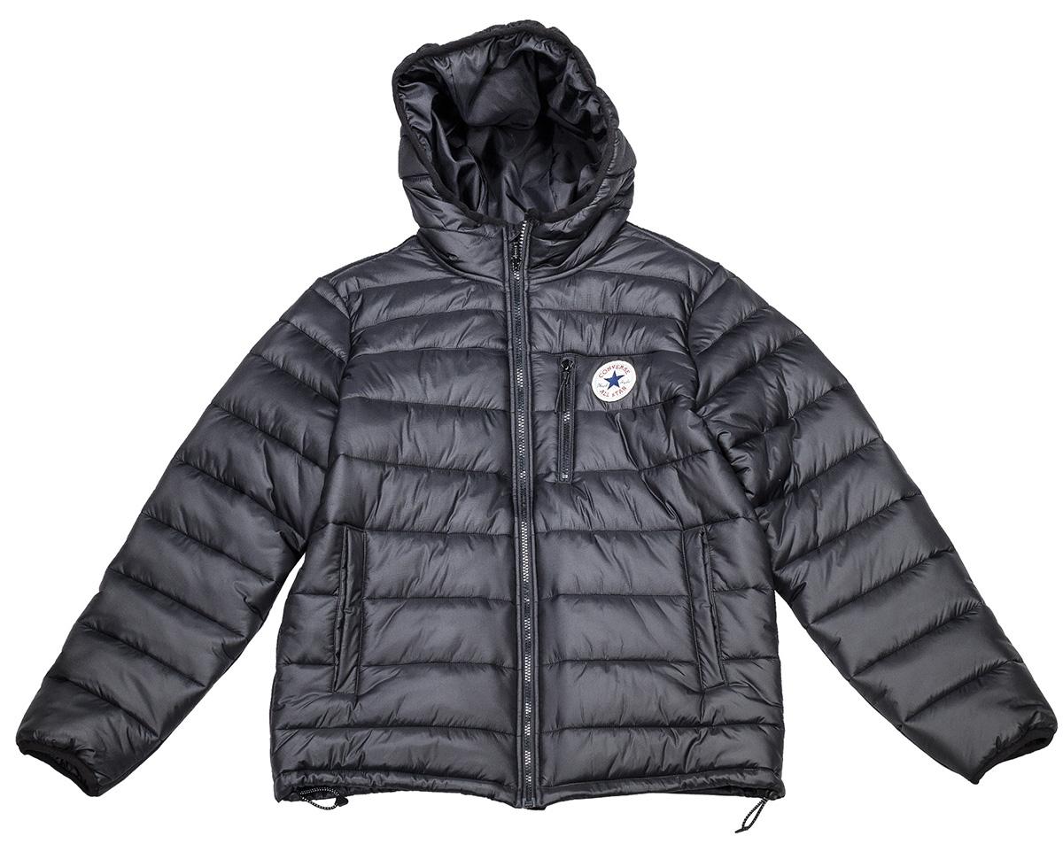 Куртка мужская Converse Core Poly Fill Jacket, цвет: черный. 10004605001. Размер L (50)10004605001Мужская куртка Converse выполнена из 100% нейлона, в качестве утеплителя используется синтепон. Модель с несъемным капюшоном застегивается на молнию. Спереди куртка оснащена двумя накладными карманами по бокам и одним на молнии в области груди. Низ изделия дополнен кулиской.