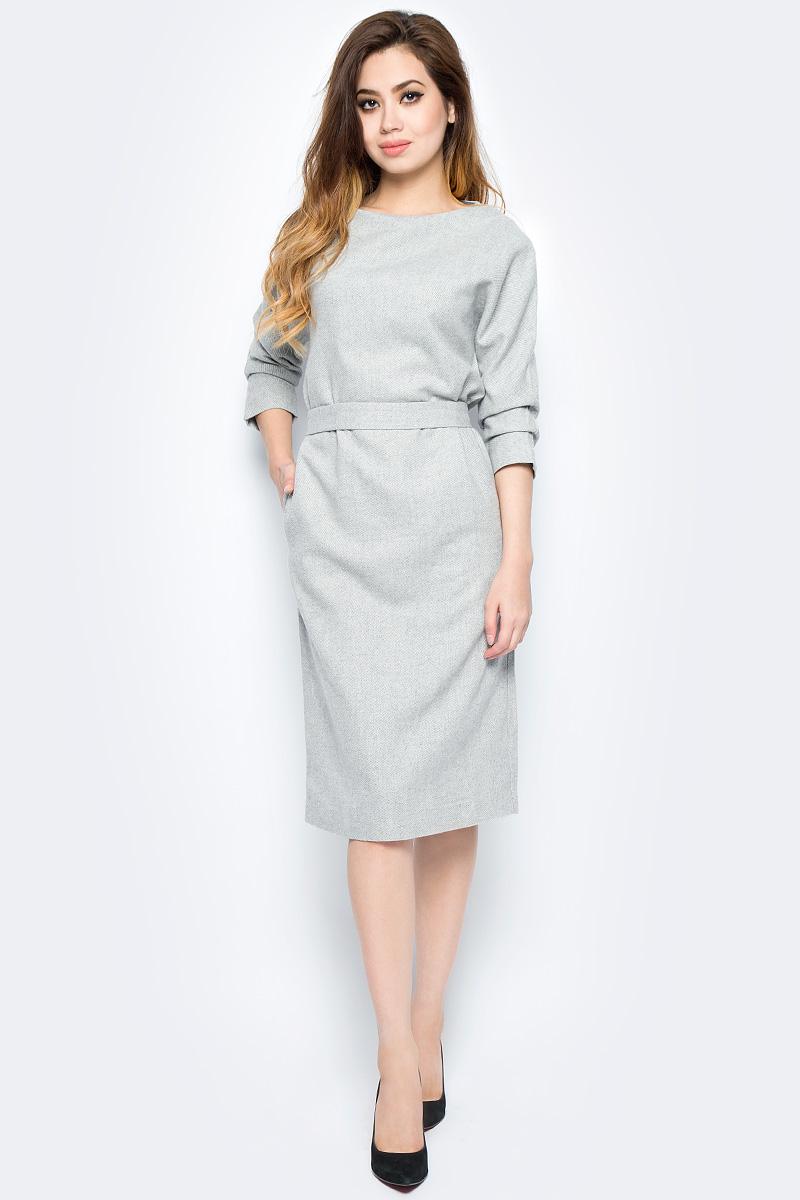 Платье Baon, цвет: серый. B457532_Silver Melange. Размер M (46)B457532_Silver MelangeЛаконичное платье Baon выполнено из плотного материала с подкладкой из полиэстера. Модель миди длины с круглым вырезом горловины и рукавами 3/4на талии дополнено поясом. В таком платье вам будет комфортно в течение дня.