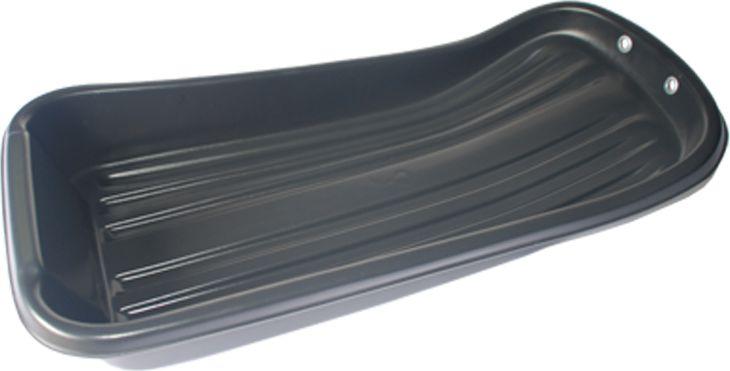 """Санки-ледянки рыбацкие Экструзион """"С-1"""" изготовлены из полиэтилена низкого  давления (ПНД). Данный материал по своим физико-механическим свойствам  идеально подходит для производства такой продукции, как сани. В наших  условиях эксплуатации, когда температура воздуха изменяется в пределах от +40  до -40°С, запас прочности материала позволяет выдерживать перепады  температуры от +55 до -55°С. Конструкция саней-волокуш для зимней рыбалки дает им возможность уверенно  проходить как по глубокому снегу, так и по накатанной ледяной дорожке.  Устойчивость — одно из главных достоинств зимних саней. Из-за их довольно  большой ширины они проходят практически по любым торосам. Борта средней  высоты позволяют загрузить в рыбацкие сани требуемое количество снаряжения  и улова."""
