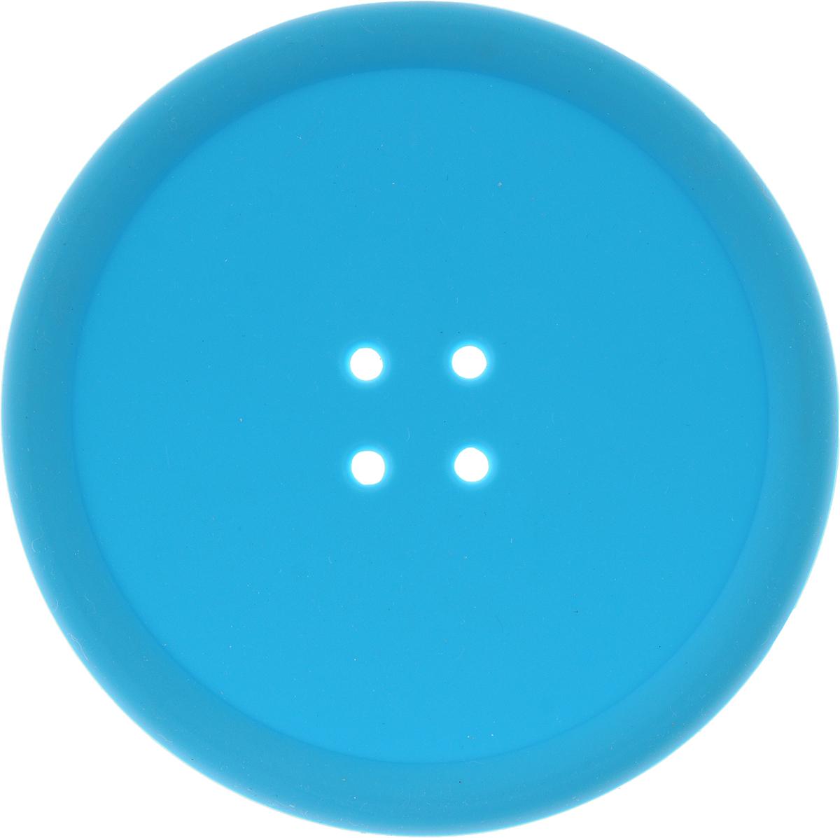 Подставка термостойкая Marmiton Пуговка, цвет: голубой, диаметр 10 см16176Термостойкая подставка Marmiton Пуговка выполнена из силикона в виде пуговки. Изделие предназначено для защиты мебели от воздействия высоких температур. Также можно использовать в качестве прихватки. Материал устойчив к фруктовым кислотам, к воздействию низких и высоких температур. Не воздействует с продуктами питания и не впитывает запахи. Обладает естественным антипригарным свойством. Можно мыть и сушить в посудомоечной машине.