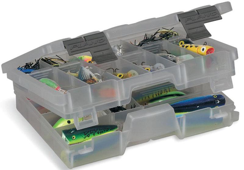 Коробка рыболовная Plano, для приманок, двухуровневая, 11-30 отсеков4600-00Двухуровневый органайзер среднего размера. Флагманская модель системы Stow Away. Уникальная конструкция обеспечивает легкое использование. Отдельные замки для доступа к верхнему и нижнему уровню позволяют найти нужную снасть гораздо быстрее. Возможность создания от 11 до 30 ячеек. Так же внизу ящика есть отделение для крупных предметов.Габариты: 276х190х69 мм