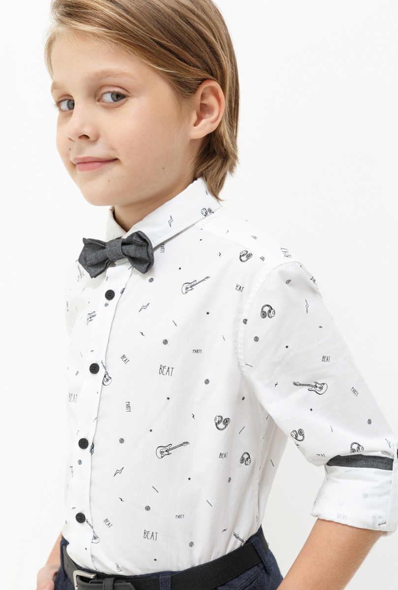 Рубашка для мальчика Acoola Kim, цвет: белый. 20110280056. Размер 17020110280056Рубашка для мальчика Acoola выполнена из натурального хлопка. Модель с отложным воротником и длинными рукавами застегивается на пуговицы.