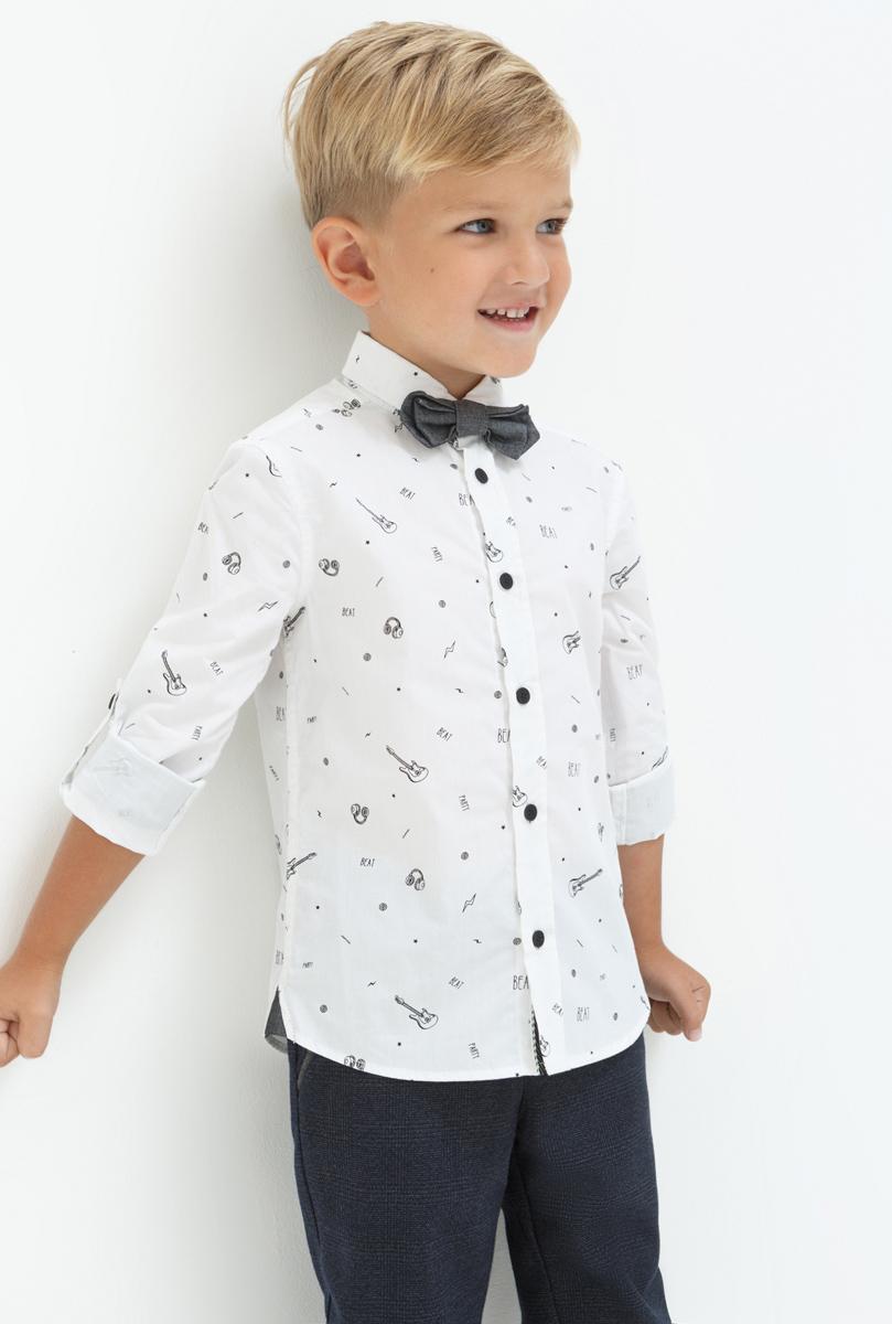 Рубашка для мальчика Acoola Kim, цвет: белый. 20120280037. Размер 10420120280037Рубашка для мальчика Acoola выполнена из натурального хлопка. Модель с отложным воротником и длинными рукавами застегивается на пуговицы.