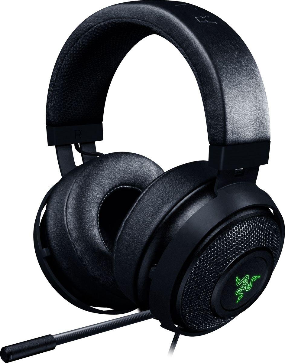 Razer Kraken 7.1 V2, Black игровая гарнитураRZ04-02060100-R3M1Игровая гарнитура Razer Kraken 7.1 V2 с передовой системой формирования виртуального объемного многоканального звука 7.1. Для точного позиционного аудио она оснащена новыми мощными 50 мм динамиками Razer с индивидуальной настройкой. Конструкция закрытого типа с максимальной звукоизоляцией для невероятного реализма звучания с эффектом присутствия выводит процесс игры на новый уровень. Активный MEMS микрофон с подавлением шума обеспечивает непревзойденную чистоту голосовых команд в игре. Оптимизированная форма с оголовьем, выполненным из прочного и легкого алюминия, и съемными амбушюрами позволяет настраивать желаемый уровень комфорта. Встроенная передовая система виртуального объемного звука 7.1 позволяет гарнитуре Razer Kraken 7.1 V2 формировать позиционное аудио с идеальной точностью. Настраивайте объемный звук согласно своим предпочтениям с помощью Razer Synapse, чтобы определять местонахождение противника для точного удара и гарантированной победы.Для формирования эффекта присутствия были разработаны 50 мм динамики Razer с индивидуальной настройкой, обеспечивающие непревзойденное звучание. Уникальная звуковая сигнатура этих впечатляющих динамиков воспроизводит кристально чистые высокие тона и грохот басов, которые помещают вас в центр событий.Усовершенствованное оголовье гарнитуры Razer Kraken 7.1 V2, выполненное из алюминия, отличается легким весом и невероятной гибкостью, обеспечивая повышенную износостойкость без потери комфорта, характерного для всей серии продуктов Razer Kraken.Для обеспечения кристально четких коммуникаций гарнитура Razer Kraken 7.1 V2 оснащена полностью выдвижным микрофоном с активным подавлением шума.В вашем распоряжении целый мир возможностей для исключительной персонализации и выражения собственного стиля с помощью невероятных визуальных эффектов. Настраивайте цветовую палитру и синхронизируйте ее с другими периферийными устройствами, поддерживающими Razer Chroma, чтобы освет