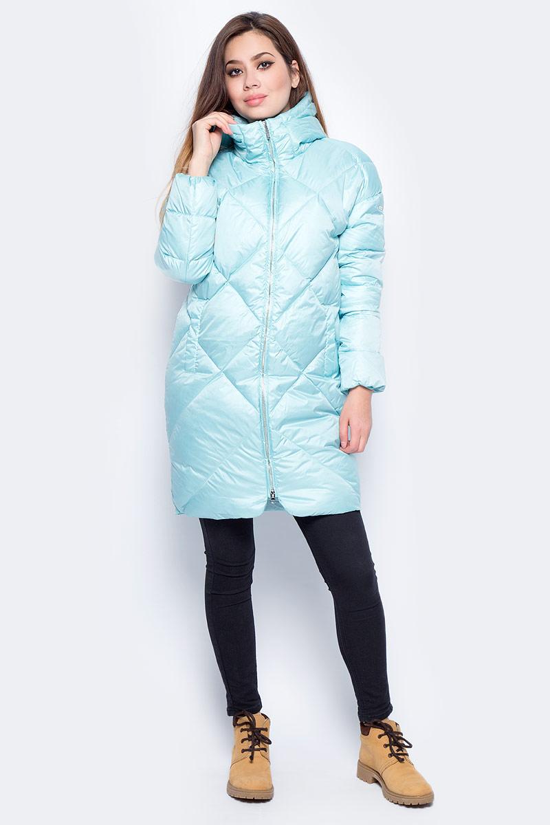 Пуховик женский Baon, цвет: голубой. B007571_Iceberg. Размер M (46)B007571_IcebergУдлиненный женский стеганый пуховик Baon выполнен из прочного полиэстера. Модель с воротником-стойкой и несъемным капюшоном застегивается на двустороннюю застежку-молнию. Наполнитель - натуральный пух и перо. Изделие дополнено двумя втачными карманами. В таком пуховике вам будет тепло и комфортно в любую непогоду!