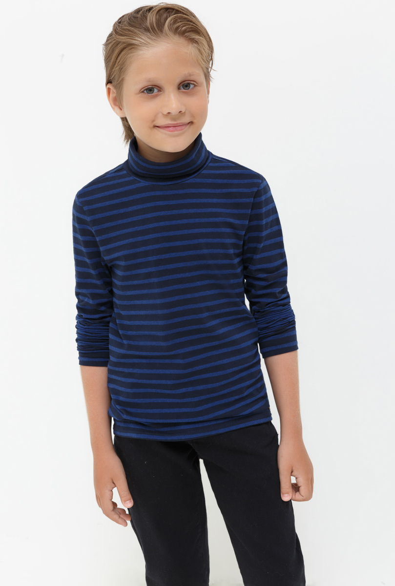 Водолазка для мальчика Acoola Nachos, цвет: темно-синий. 20110100092. Размер 14620110100092Водолазка для мальчика Acoola выполнена из хлопка и эластана. Модель с воротником гольф и длинными рукавами.