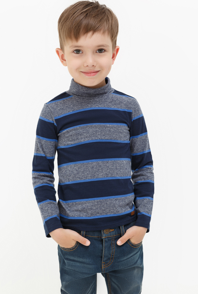 Водолазка для мальчика Acoola Nachos, цвет: серый, синий. 20120100094. Размер 11620120100094Водолазка для мальчика Acoola выполнена из хлопка и эластана. Модель с воротником гольф и длинными рукавами.