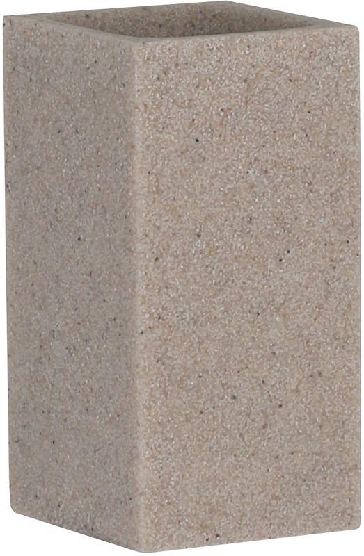 Стакан для ванной комнаты Axentia Venedig126692Стакан Axentia Venedig незаменимый аксессуар для ванной комнаты. Он изготовлен из полирезина - безопасного современного и прочного полимерного материала, из которого производят прочные и долговечные изделия домашнего обихода. Квадратная форма легко вписывается в современные ванные комнаты. Размеры: 6 х 6,5 х 11,9 см