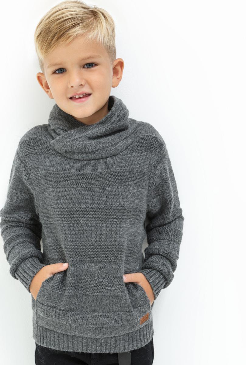Свитер для мальчика Acoola Klimt, цвет: серый. 20120310049. Размер 10420120310049Свитер для мальчика Acoola Klimt выполнен из качественного материала. Модель с воротником гольф и длинными рукавами.