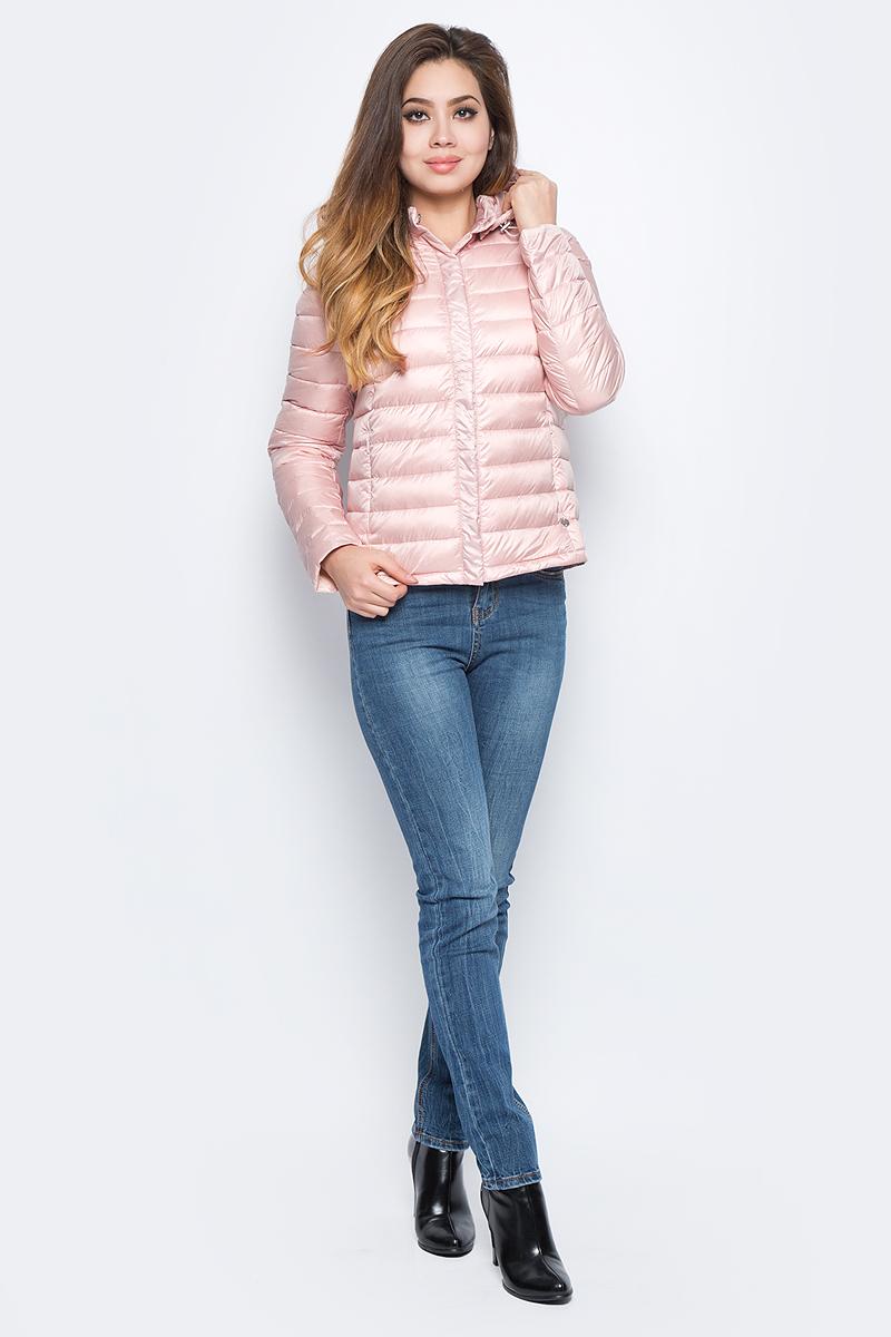 Пуховик женский Baon, цвет: розовый. B017701_Dusty Flamingo. Размер XS (42)B017701_Dusty FlamingoЛегкий стеганый укороченный пуховик Baon выполнен из полиэстера с утеплителем из натурального пуха и пера. Модель застегивается на кнопки и имеет съемный капюшон с регулировкой объема. По бокам расположены карманы с молниями. Такой пуховик займет достойное место в вашем гардеробе.