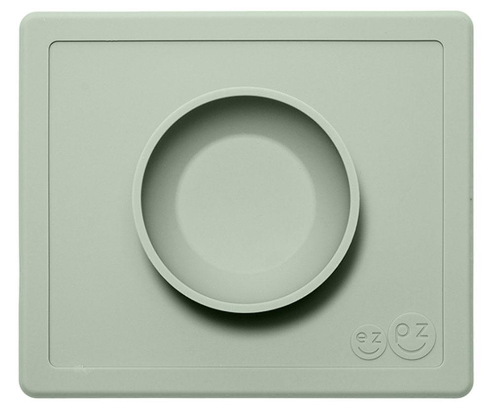 Ezpz Тарелка детская Happy Bowl цвет оливковыйPKHBS001Силиконовую тарелку Ezpz Happy Bowl невозможно перевернуть. Чаша идеально подходит для завтраков и обедов. Тарелка изготовлена из силикона высочайшего качества, не имеет липучек или присосок - фиксация происходит на любой ровной горизонтальной поверхности. Тарелка подходит для СВЧ и посудомоечной машины. Не содержит бисфенол А, фталаты, поливинилхлорид, препятствует возникновению бактерий.