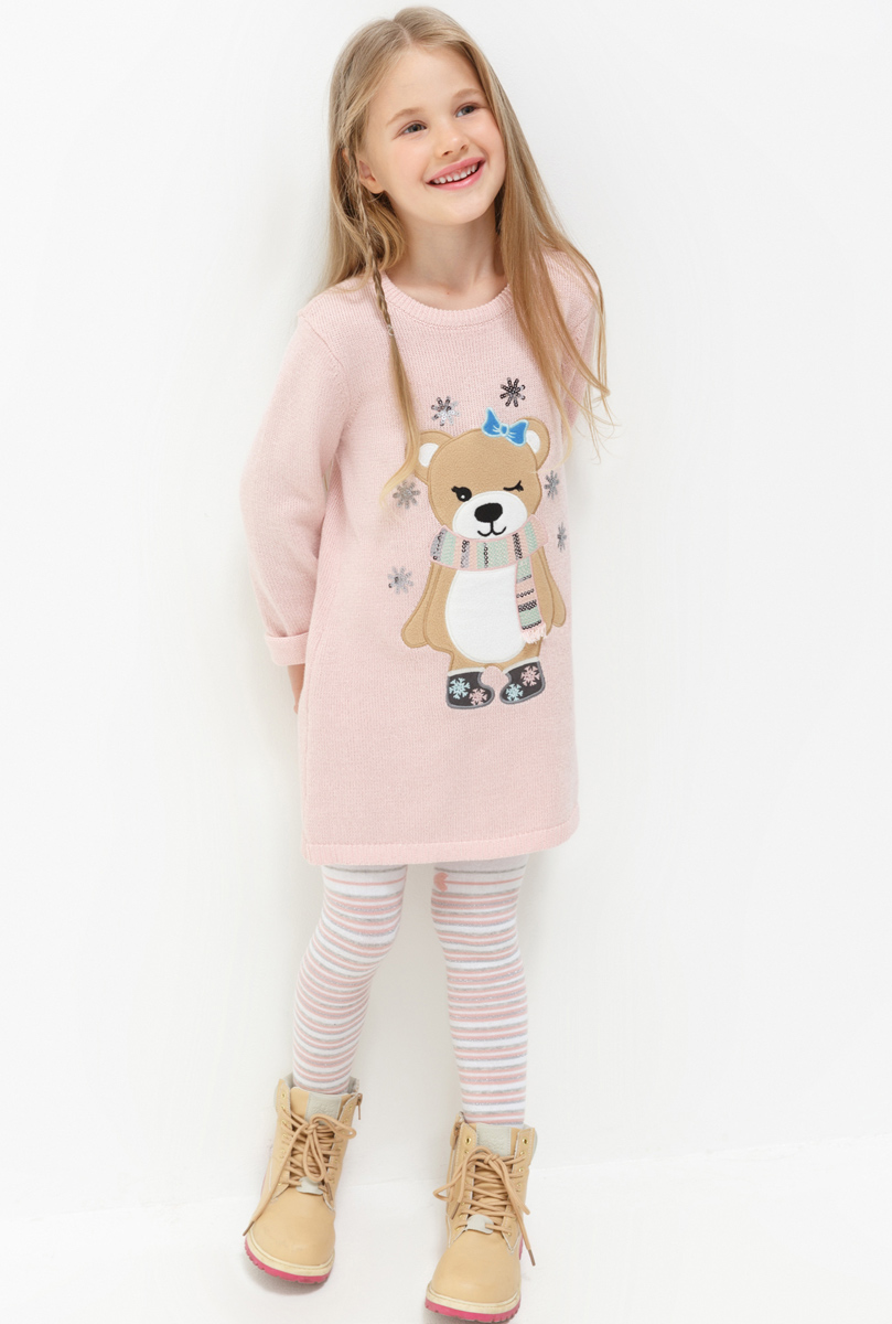 Платье для девочки Acoola Singapore, цвет: светло-розовый. 20220200207. Размер 10420220200207Платье для девочки Acoola выполнено из качественного материала. Модель с круглым вырезом горловины и длинными рукавами оформлена оригинальным принтом.