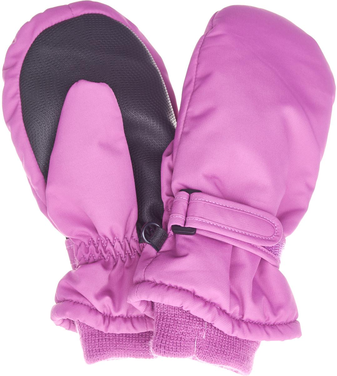 Варежки детские Button Blue, цвет: малиновый. 217BBUA76013100. Размер 14217BBUA76013100Подбирая зимний функциональный гардероб для ребенка, не забудьте купить варежки из плащевки, ведь они - незаменимая вещь для прогулок в морозные дни! Непромокаемая плащевка, утяжка от продувания, протектор для прочности и износостойкости изделия позволят гулять в любую погоду, гарантируя тепло, уют и комфорт.