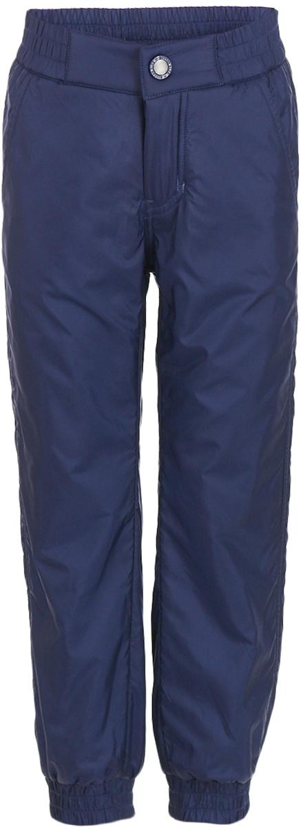 Брюки утепленные для мальчика Button Blue, цвет: темно-синий. 217BBBC64011000. Размер 152, 12 лет217BBBC64011000Плащевые брюки на подкладке из флиса – основа осеннего прогулочного гардероба ребенка. Они защитят ребенка от промокания в сырую и дождливую погоду, подарив уют. Чтобы проводить время на свежем воздухе с пользой и с удовольствием для ребенка, вам стоит купить детские брюки на флисе. Простые, надежные, практичные брюки сделают каждый день ребенка комфортным.