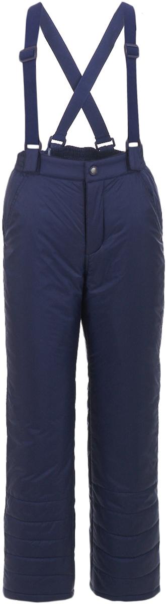 Брюки утепленные для мальчика Button Blue, цвет: темно-синий. 217BBBC64021000. Размер 110, 5 лет217BBBC64021000Плащевые брюки на синтепоне – основа зимнего прогулочного гардероба ребенка. Основная задача этого изделия - сохранение тепла и эти брюки с ней справятся наилучшим образом. Чтобы проводить время на свежем воздухе с пользой и с удовольствием для ребенка, вам стоит купить детские брюки на синтепоне. Простые, надежные, практичные брюки сделают каждый день ребенка уютным и комфортным.