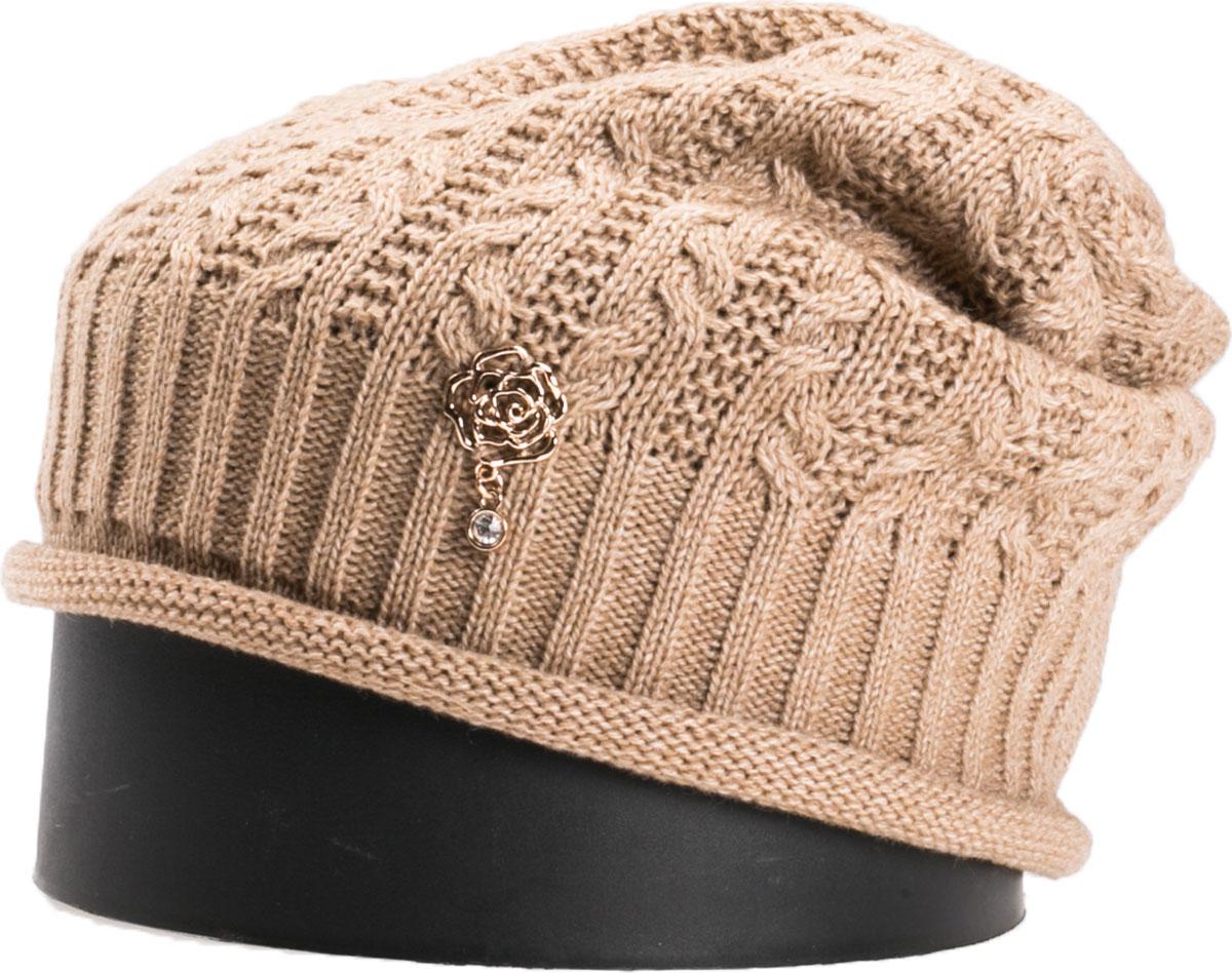 Шапка женская Vittorio Richi, цвет: бежевый. NSH150839. Размер 56/58NSH150839Стильная женская шапка Vittorio Richi отлично дополнит ваш образ в холодную погоду. Модель, изготовленная из шерсти с добавлением акрила, максимально сохраняет тепло и обеспечивает удобную посадку. Шапка дополнена ажурной вязкой и сбоку декоративным элементом. Привлекательная стильная шапка подчеркнет ваш неповторимый стиль и индивидуальность.