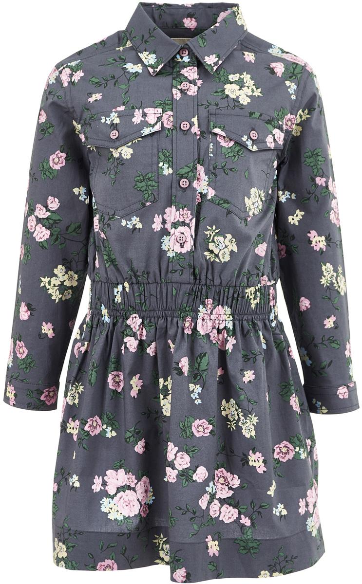 Платье для девочки Button Blue, цвет: темно-серый. 217BBGC25012014. Размер 98, 3 года217BBGC25012014Текстильное платье рубашечного кроя снова входит в топ самых популярных моделей! Модная свободная форма, накладные карманы, утяжка по линии талии, цветочный принт делают платье ярким акцентом повседневного образа. С брюками, леггинсами, плотными колготками платье составит прекрасный комплект на каждый день. Стильное джинсовое платье - идеальный вариант для тех, кто идет в ногу со временем, предпочитая навязчивому гламуру легкость и комфорт стиля Casual.