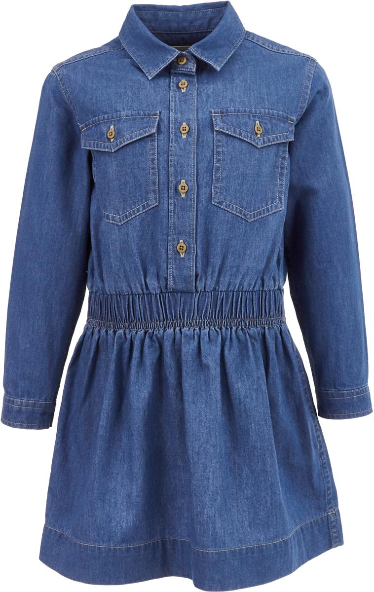 Платье для девочки Button Blue, цвет: голубой. 217BBGC2501D200. Размер 98, 3 года217BBGC2501D200Джинсовое платье рубашечного кроя снова входит в топ самых популярных моделей сезона! Модная свободная форма, накладные карманы, утяжка по линии талии делают платье ярким акцентом повседневного образа. С брюками, леггинсами, плотными колготками платье составит прекрасный комплект на каждый день. Стильное джинсовое платье - идеальный вариант для тех, кто идет в ногу со временем, предпочитая навязчивому гламуру легкость и комфорт стиля Casual.