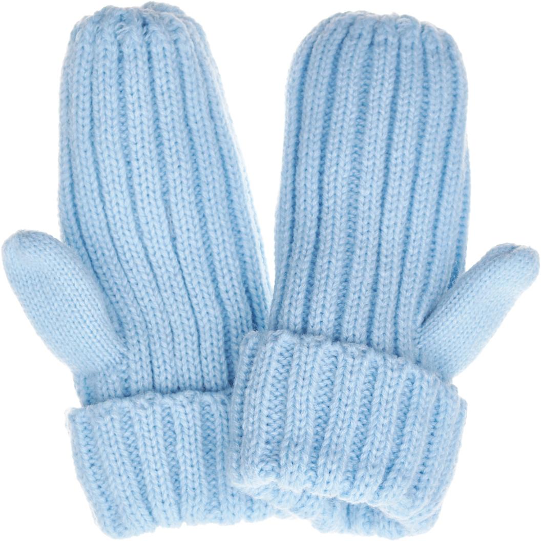 Варежки для девочки Button Blue, цвет: голубой. 217BBGX76021800. Размер 18217BBGX76021800Детские варежки - незаменимая модель для холодной погоды. Их основная функция - защита от холода и ветра, и с ней эти варежки на подкладке из флиса справятся наилучшим образом. Практичные родители знают: детские варежки часто теряются, поэтому лучше купить недорогие варежки, но две пары сразу, чтобы иметь возможность без труда восполнить потерю. Варежки от Button Blue - оптимальный вариант! Хорошая цена и отличное качество принесут удовольствие от покупки и эксплуатации!