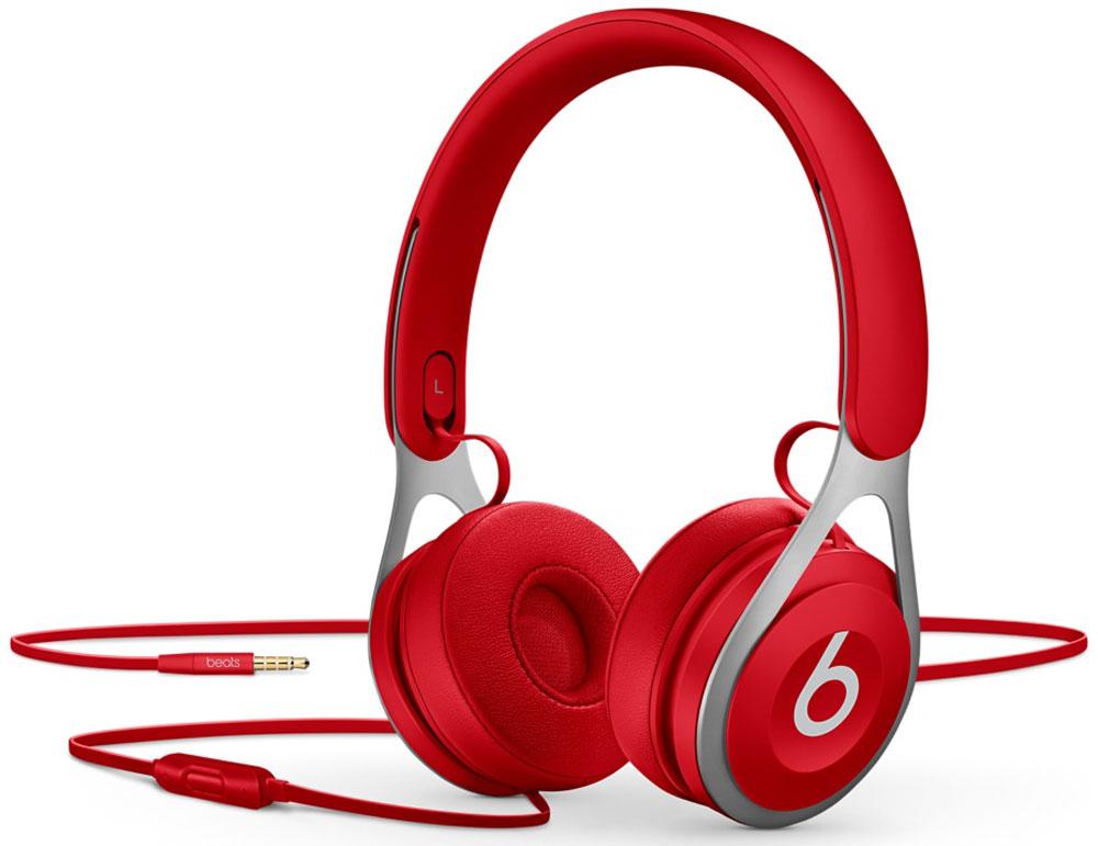 Beats EP, Red наушникиML9C2ZE/AНакладные наушники Beats EP обеспечивают великолепно сбалансированный звук. Время воспроизведения не ограничено аккумуляторами, атонкая прочная конструкция усилена лёгкой нержавеющей сталью. Beats EP - это идеальное знакомство с Beats для всех, кто любит музыку иищет богатое динамичное звучание.Накладные наушники Beats EP обеспечивают великолепно сбалансированный звук - такой, каким он был задуман. Акустическая система точнонастроена для чистого, сбалансированного звучания в широком диапазоне.Наушники Beats EP прочные, лёгкие и удобные. Тонкая прочная конструкция усилена лёгкой нержавеющей сталью и вертикальными слайдерами,положение которых можно настроить для удобной посадки. Созданы для повседневного использования.Beats EP созданы, чтобы сопровождать вас повсюду. Никаких аккумуляторов - время воспроизведения не ограничено, а фиксированный кабельс защитой от запутывания позволяет сосредоточить всё внимание на музыке. Надевайте - и вперёд.