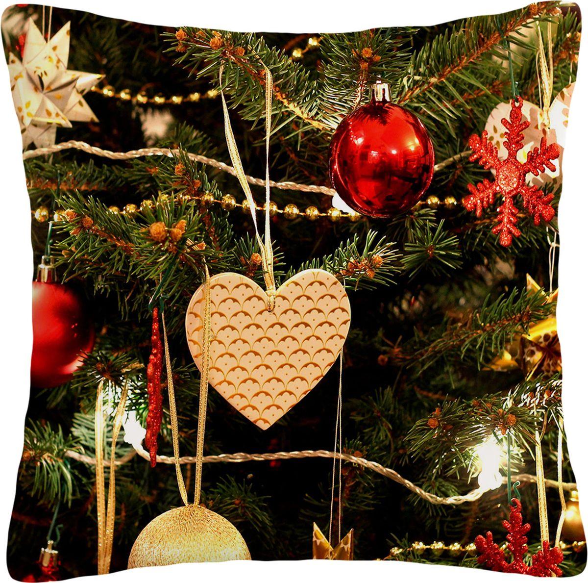 Подушка декоративная Сирень Новогоднее сердце, 40 х 40 смПШГБ012-10392Декоративная подушка Сирень изготовленная из габардина (100% полиэстер), прекрасно дополнит интерьер спальни или гостиной. Подушка оформлена ярким и стильным двусторонним принтом. Внутри - мягкий наполнитель из холлофайбера (100% полиэстер). Красивая подушка создаст атмосферу тепла и уюта в спальне и станет прекрасным элементом декора. Цвет изделия может немного отличаться от представленного на фото.