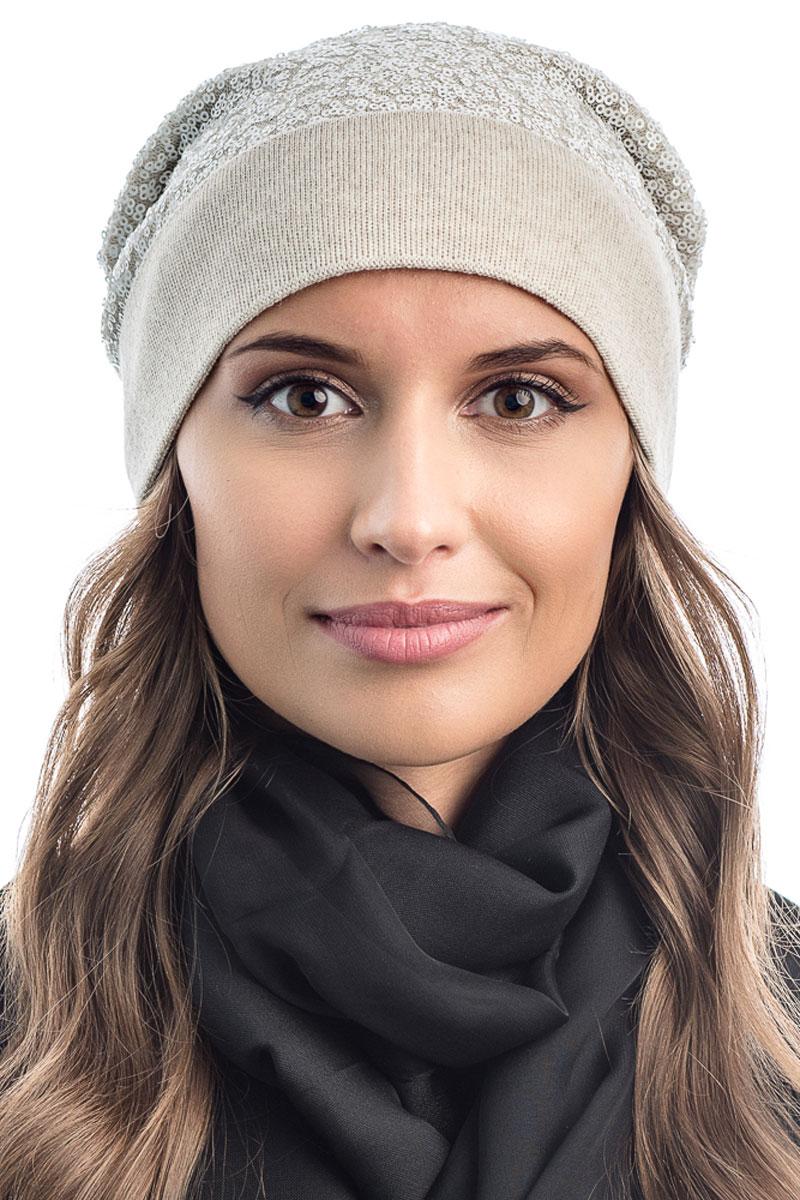 Шапка вязаная женская Stilla, цвет: слоновая кость. SH-1770/03. Размер 52/58SH-1770/03Яркая вязаная женская шапка Stilla, изготовленная из пряжи с содержанием шерсти и акрила исключительно мягкая, комфортная и теплая. Мелкая плотная вязка, декорированная пайетками, делает эту модель эффектной и не забываемой. Практичная форма шапки делает ее очень комфортной. Шапка одинарная, без подкладки, с широким отворотом . Шапка Stilla прекрасно дополнит ваш образ с шубой или пальто.