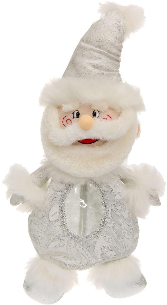 """Нарядная подарочная упаковка Sima-land """"Дед мороз"""" изготовлена из текстиля и искусственного  меха. Упаковка выполнена в виде Деда Мороза и застегивается сзади на спинке на застежку- молнию. Спереди имеется прозрачная вставка обшитая серебряной каймой. Подарочную упаковку  можно подвесить в любое место, с помощью пришитого к колпаку шнурка.  Яркий символичный персонаж создаст новогоднее настроение. Креативная упаковка сделает  ваш презент особенным и самым запоминающимся.  Вместительность: 500 г."""