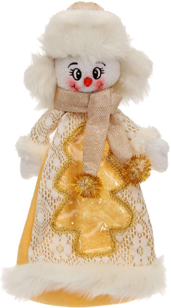 Подарочная упаковка Sima-land Снеговик, с шарфиком, цвет: белый, золотой, вместимость 800 г1050175Нарядная подарочная упаковка Sima-land Снеговик изготовлена из текстиля и искусственного меха. Упаковка выполнена в виде Снеговика и застегивается сзади на спинке на застежку-молнию. Спереди имеется прозрачная вставка обшитая серебряной каймой. Подарочную упаковку можно подвесить в любое место, с помощью пришитого к колпаку шнурка. Яркий символичный персонаж создаст новогоднее настроение. Креативная упаковка сделает ваш презент особенным и самым запоминающимся.Вместительность: 800 г.