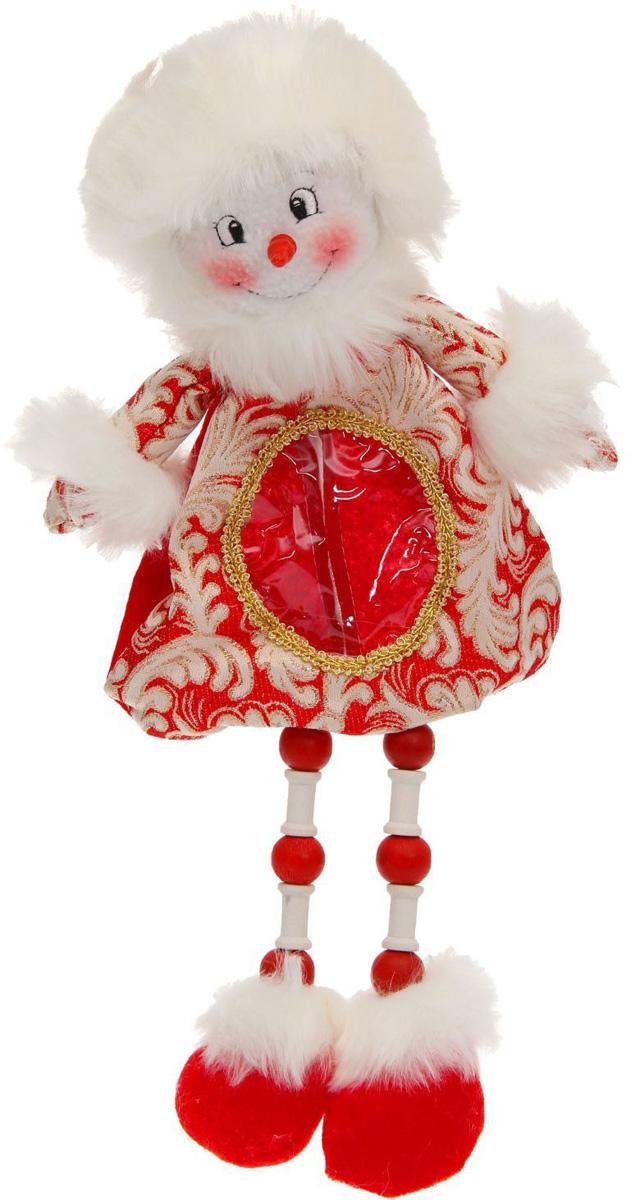 Подарочная упаковка Sima-land Снеговик, длинные ножки, цвет: красный, белый, золотой, вместимость 400 г1050187Нарядная подарочная упаковка Sima-land Снеговик изготовлена из текстиля и искусственного меха. Упаковка выполнена в виде Снеговика с длинными ногами и застегивается сзади на спинке на застежку-молнию. Спереди имеется прозрачная вставка обшитая серебряной каймой. Подарочную упаковку можно подвесить в любое место, с помощью пришитого к колпаку шнурка. Яркий символичный персонаж создаст новогоднее настроение. Креативная упаковка сделает ваш презент особенным и самым запоминающимся.Вместительность: 400 г.