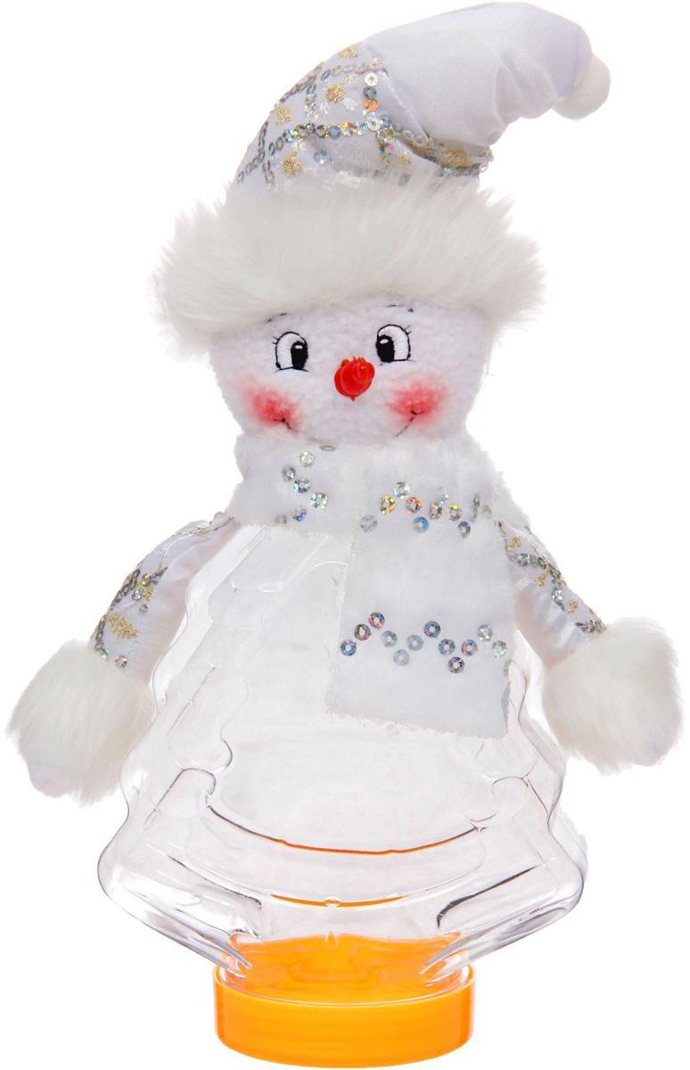 Подарочная упаковка Sima-land Снеговичек, с шарфиком, цвет: белый, серебристый, вместимость 320 г1050208Стильная подарочная упаковка Sima-land Снеговичек изготовлена из текстиля и искусственного меха. Упаковка выполнена в виде Снеговика и дополнена прозрачной пластиковой банкой для сладких подарков. Яркий символичный персонаж создаст новогоднее настроение. Креативная упаковка сделает ваш презент особенным и самым запоминающимся.Вместительность: 320 г.
